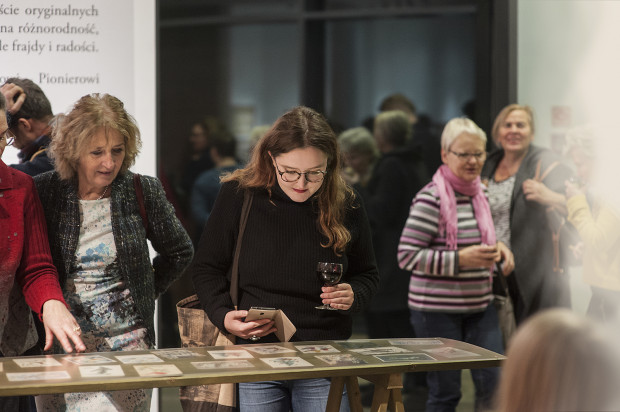 """Wystawa """"Wesołych Świąt"""" w Muzeum Miasta Gdyni."""