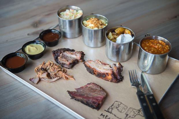 W Meat Shack najlepiej zamówić zestaw degustacyjny.