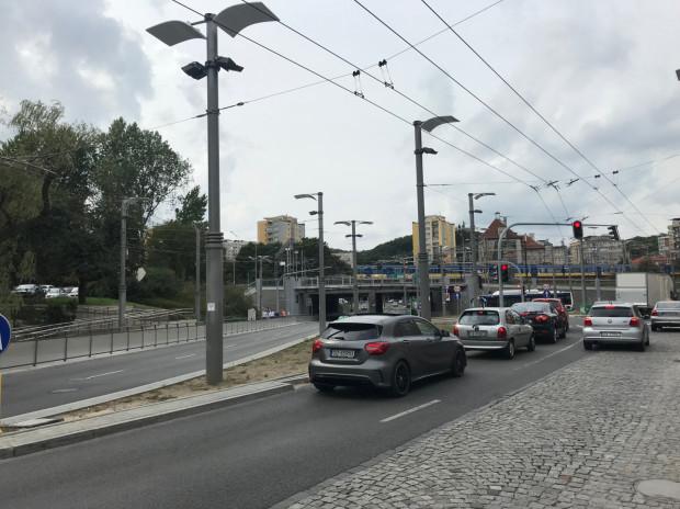 Zbieg ulic przy dworcu Gdynia Główna.