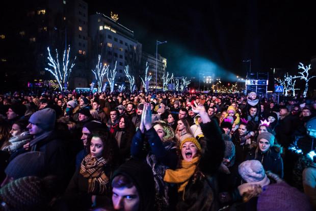 W sylwestrową noc imprezy plenerowe tradycyjnie odbędą się w Gdańsku i w Gdyni. O szczegółach informujemy w naszym specjalnym serwisie.