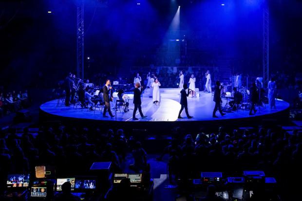 Betlejem w Gdyni to koncert, podczas którego publiczność wspólnie z artystami wykonuje kolędy i pastorałki.