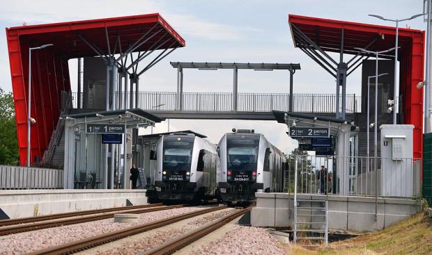 Jeśli nie pojawią się problemy, elektryczne pociągi po linii PKM pojadą w 2023 r.