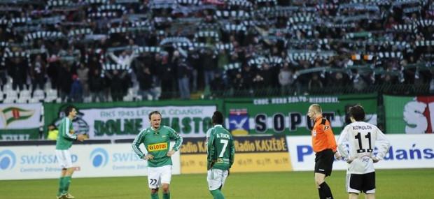 Kibice Lechii w najbliższych spotkaniach będą dopingować swoją drużynę tylko na własnym stadionie.