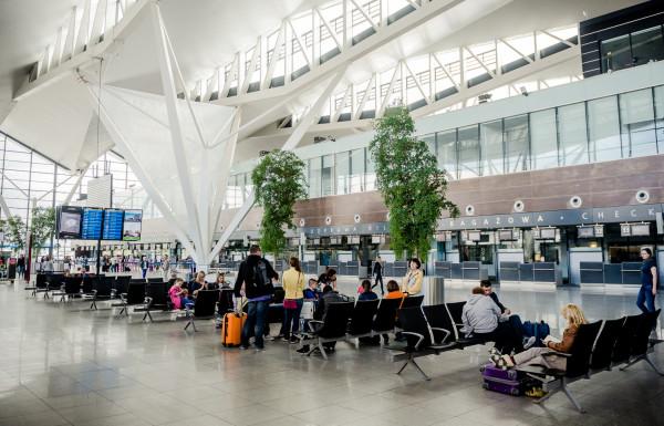 Gdańskie lotnisko jest obecnie trzecim portem lotniczym w kraju pod względem natężenia ruchu pasażerskiego.