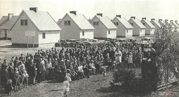 Uroczystość oddania do użytku osiedla fińskich domków we Wrzeszczu, 9 maja 1948 roku.