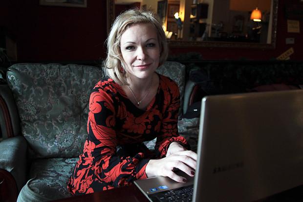Małgorzata Warda to postać znana w trójmiejskim środowisku. To pisarka urodzona i nadal mieszkająca w Gdyni, rzeźbiarka i malarka.