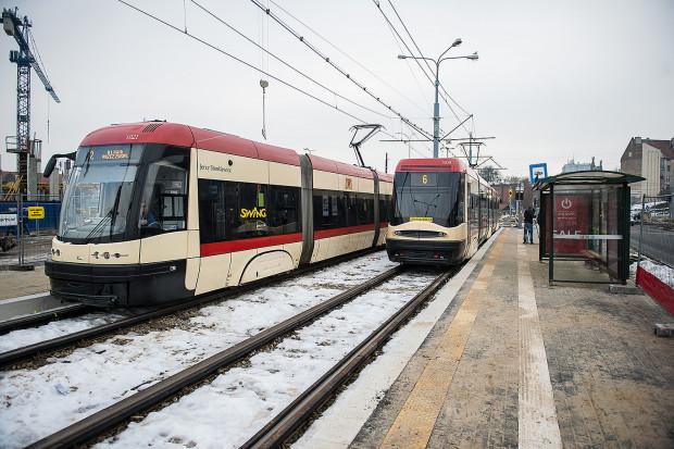 Aby w dniu pogrzebu prezydenta umożliwić mieszkańcom poruszanie się po mieście zaplanowano o 400 kursów tramwajowych i autobusowych więcej niż w zwykłą sobotę.