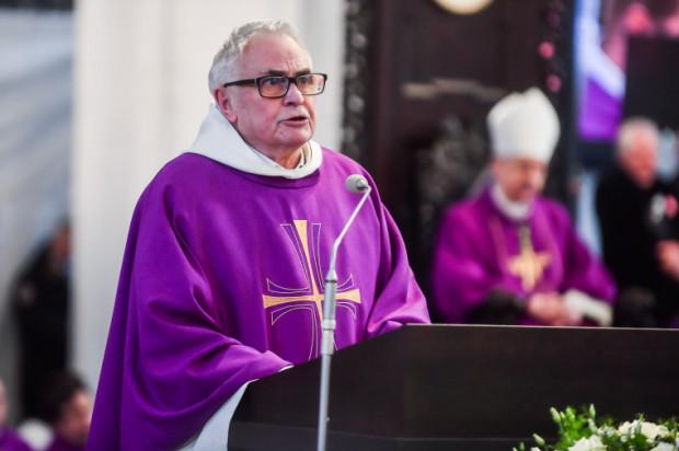 Cała Polska - może nie tylko Polska - czeka, ażeby z Gdańska wyszło przesłanie, które dotrze do każdego Polaka, i które przywróci moralną równowagę w naszym kraju i w naszych sercach - mówił o. Ludwik Wiśniewski.