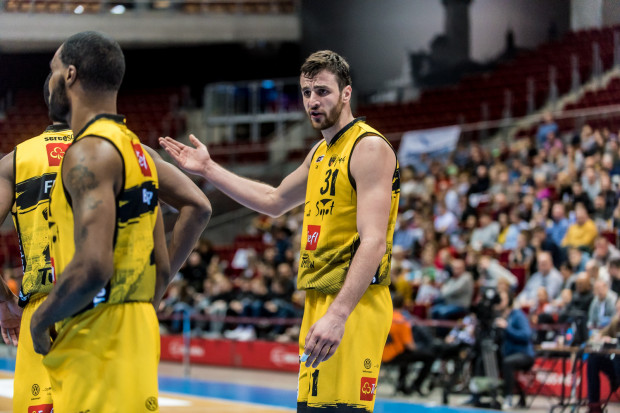 21 punktów Milana Milovanovicia nie pomogło Treflowi w Toruniu. Sopocianom tym samym nie udało się przerwać serii zwycięstw Polskiego Cukru przed własną publicznością.