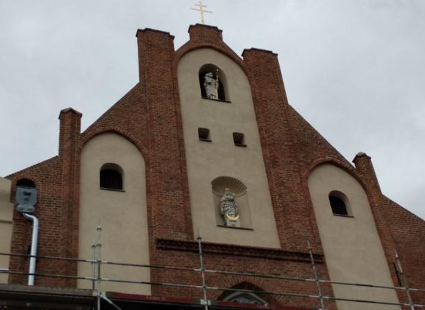 Oczyszczona elewacja kościoła św. Józefa.