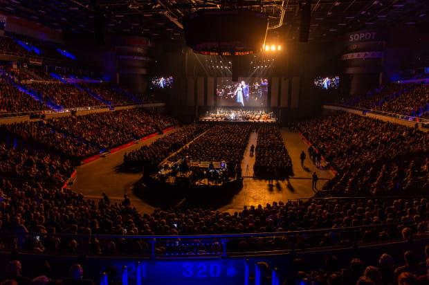 Na widowni w Ergo Arenie zasiadło 10 tys. słuchaczy - wyprzedały się wszystkie bilety.