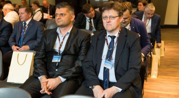 Jerzy Dobaczewski (z prawej) po 10 latach przestał być dyrektorem ZTM. Z lewej jego zastępca - Sebastian Zomkowski.
