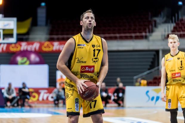 Sasa Zagorac ponownie pokazał świetną grę w ataku. Niestety do tego popełnił pięć strat, a w obronie był ogrywany m.in. przez byłego koszykarza Trefla, Nikolę Markovicia.