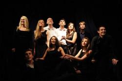 """To czego brakuje w """"Pląsce"""" bez trudu udało się wyrazić młodym artystom w recitalu piosenek Jacquesa Brela - """"Miłość i więcej nic""""."""