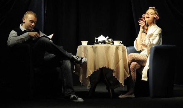 """Przed duetem Iga Drzymkowska i Krystian Krewniak jeszcze sporo warsztatowej pracy nad wykonaniem spektaklu """"Pląska"""". W spektaklu może wziąć udział aż pięć różnych par aktorskich."""
