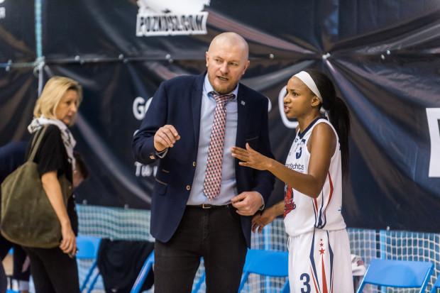 Wskazówki trenera Rafała Kanapa okazały się być bezradne wobec świetnie dziś grających koszykarek lidera CCC Polkowice.