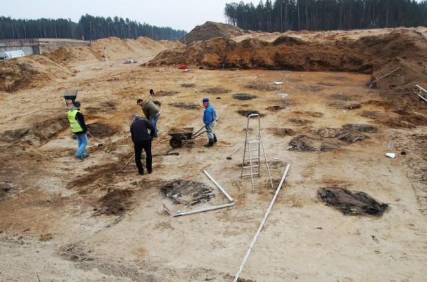 Przykładowe prace archeologiczne na budowie drogi ekspresowej.