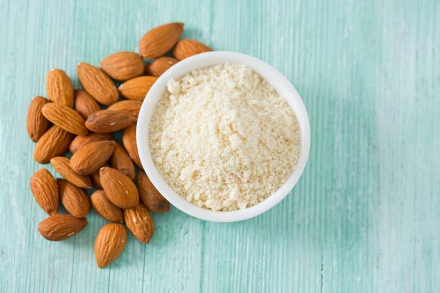 Mąka migdałowa jest bogatym źródłem: E, PP, B1, B2, cynku i magnezu. Charakteryzuje się niskim indeksem glikemicznym.
