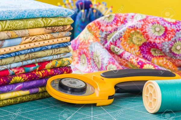 Wszystkie jaśki będą szyte z kolorowych tkanin.