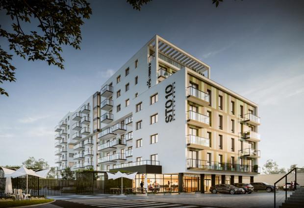 Chylońska110 to dobra inwestycja dla osób, które poszukują mieszkania blisko centrum, z dobrze rozwiniętą infrastrukturą oraz dostępnością do transportu publicznego i indywidualnego.