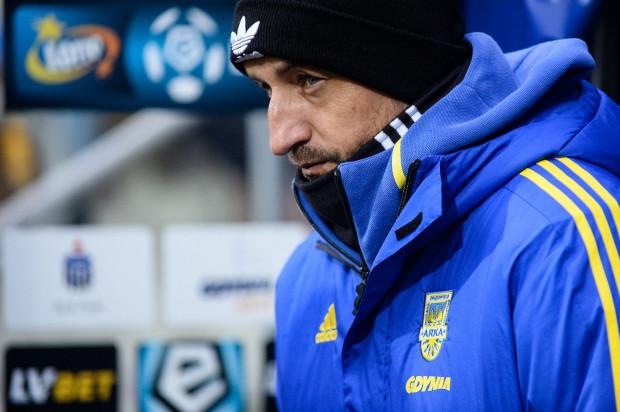 Zbigniew Smółka wierzy, że jego piłkarze wyciągnęli wnioski z dwóch przegranych w ekstraklasie tej wiosny, a w piątek zagrają lepiej i odpowiedzialniej.