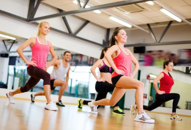 Człowiek aktywny i zrelaksowany lepiej przyswaja wiedzę, dlatego Wyższa Szkoła Zdrowia przykłada dużą wagę do tego, aby każdy ze studentów znalazł w bogatej ofercie zajęć sportowych ciekawą propozycję również dla siebie.