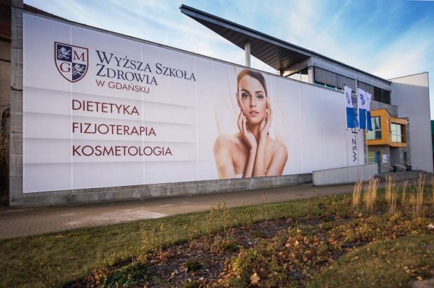 Wyższa Szkoła Zdrowia w Gdańsku kształci studentów na kierunkach ściśle związanych ze zdrowiem, takich jak: fizjoterapia, dietetyka oraz kosmetologia. Absolwenci są cenionymi na rynku specjalistami, a sama uczelnia coraz silniej identyfikowana jest jako centrum kształcenia wykwalifikowanych pracowników z obszaru nauk o zdrowiu.