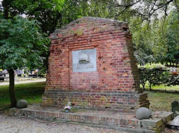 Obecny stan pomnika policjantów (odsłoniętego 16 lipca 1922 r.) na Cmentarzu  Garnizonowym, 2018 r.
