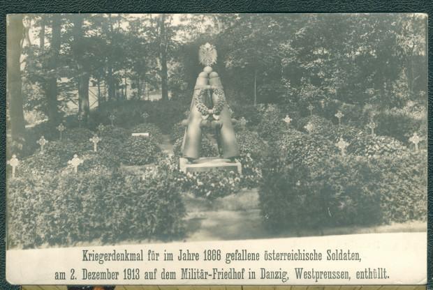 Pomnik jeńców austriackich na kwaterze grobowej, odsłonięty 2 grudnia 1913 r. na Cmentarzu Garnizonowym. Ze zbiorów Krzysztofa Gryndera.