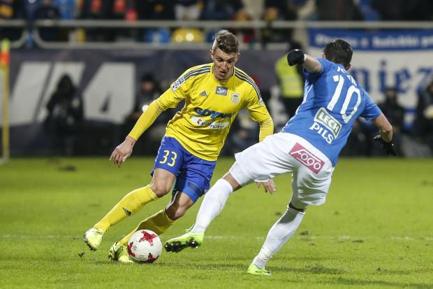 Damian Zbozień nie przestraszył się Darko Jevticia (na zdjęciu), a Arka dzielnie walczyła z Lechem. Jednak komplet punktów znów został przy rywalach, dlatego w szeregach żółto-niebieskich jest spore rozżalenie.