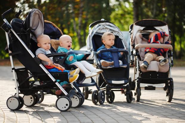 Wózek wózkowi nierówny - decyzja, jaki pojazd dla dziecka wybrać, nie należy do najłatwiejszych. W tym roku na rynku dodatkowo pojawią się kolejne ciekawe rozwiązania.