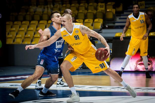 Dariusz Wyka grał ostatnio w kadrze Polski z trzema koszykarzami Stelmetu. Czy dzięki temu będzie mu łatwiej ich zatrzymać?
