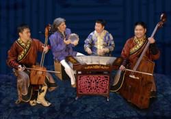 Muzycy zespołu Sedaa oprócz koncertu poprowadzą również warsztaty śpiewu gardłowego i gry na instrumentach perkusyjnych.