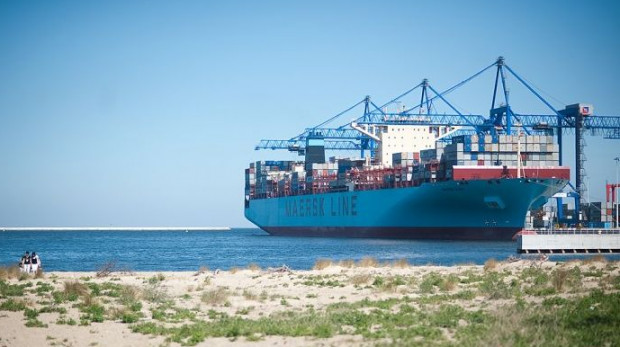 Maersk Elba mieszczący na swoich pokładach 13 tys. kontenerów przypłynął dziś do Gdańska.