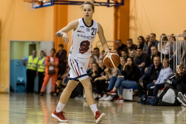 Sylwia Bujniakk w ostatnim meczu ligowym ani na moment nie opuściła parkietu.