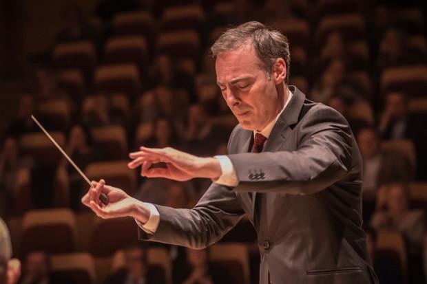 W najbliższy czwartek o godz. 19 w Sali Koncertowej Akademii Muzycznej młodzi wirtuozi z Orkiestry Kameralnej BalticAlians zagrają pod dyr. Georga Cziczinadze (na zdj.) kompozycje Bacha i Vivaldiego. Wstęp jest wolny.