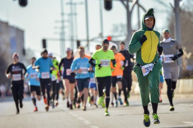 W niedzielę na ulicach Gdyni pojawi się kilka tysięcy biegaczy.