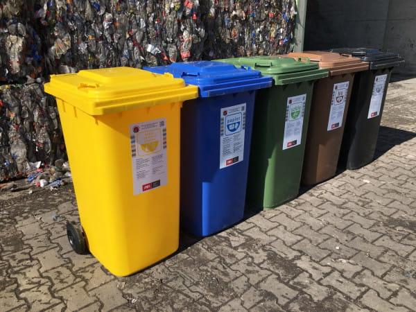 20 proc. badanych osób w domkach jednorodzinnych i blisko 30 proc. w domach wielorodzinnych - twierdzi, że nie segreguje odpadów, bo nie widzi w tym sensu.