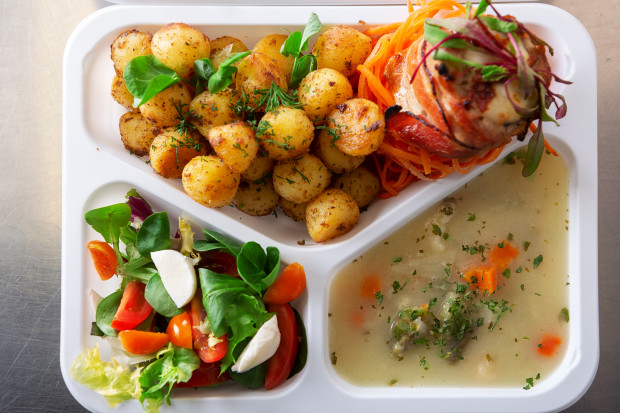 Catering to coś więcej niż styl jedzenia, to styl życia, bo jedzenie to nie tylko konieczność, a troska o zdrowie, dobre samopoczucie i po prostu przyjemność.