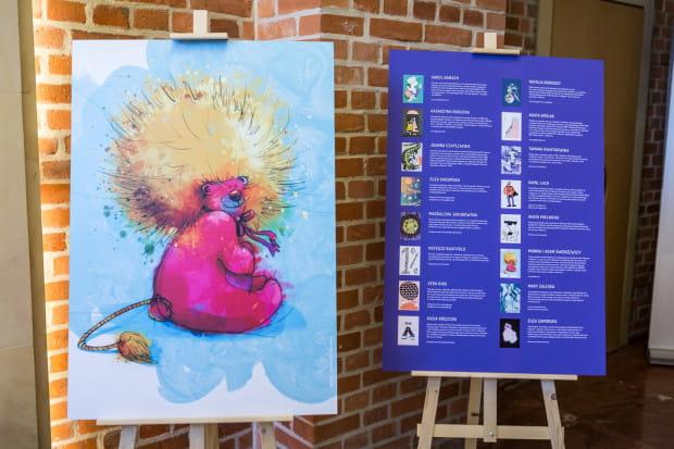 """Wystawa """"Zrozumieć Bohatera"""" to jedna z kilku wystaw, jakie można obejrzeć w trakcie Gdańskich Targów Książki."""