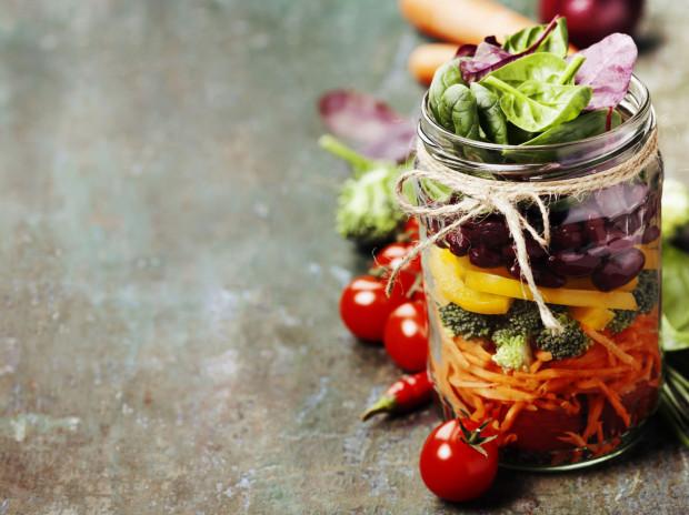 W sezonowej kuchni wiosennej musimy pamiętać, że wiele składników trzeba zjeść od razu po zakupieniu, ponieważ szybko więdną.