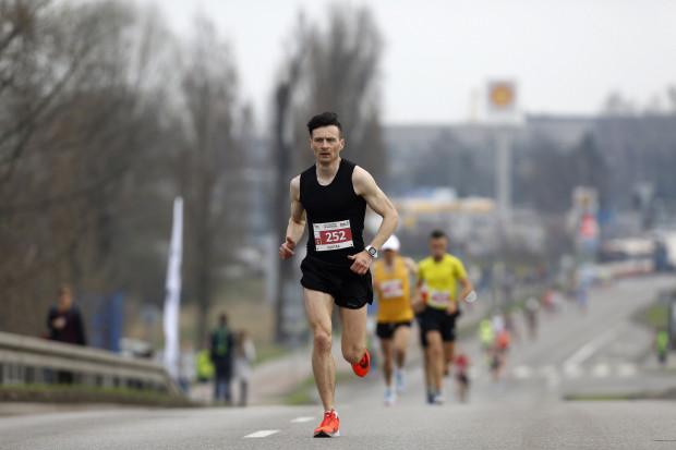 Zwycięzca 3. i 4. Gdańsk Maratonu - Rafał Czarnecki z Bliżyna w województwie świętokrzyskim.