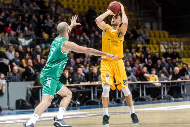 Bartłomiej Wołoszyn od czasu dołączenia do Arki, wystąpił w siedmiu ligowych meczach. Zdobywał w nich śr. 7.6 pkt.