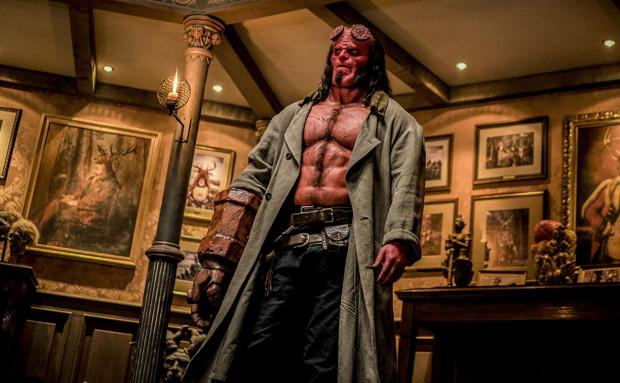 Hellboy (David Harbour) jest jedyną nadzieją ludzkości, by uratować ją przed żądną zemsty Nimue (Milla Jovovich). Bohater będzie musiał jednak pokalkulować, czy rzeczywiście opłaca mu się bronić tych, którzy narażają go na ciągłe szykany i odrzucenie.