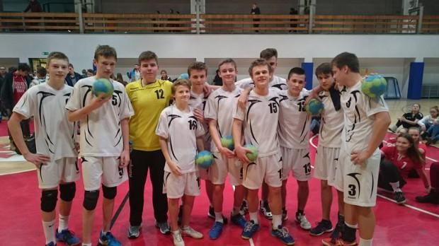 Piłkę ręczną można trenować w kilku placówkach, a jedną z nich jest Podstawowa Szkoła nr 92 na Zaspie, która współpracuje z klubami UKS Szczypiorniak Gdańsk i Wybrzeże Gdańsk.