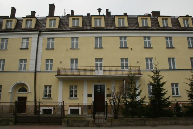 Budynek, w którym mieścił się zakład prowadzony przez siostry służebniczki. Zdjęcie współczesne.