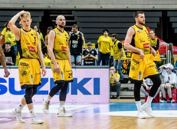 Koszykarze Trefla Sopot są o krok od spadku z Energa Basket Ligi.