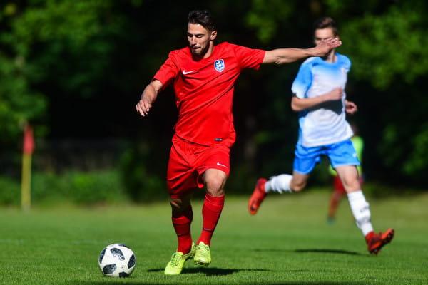 Karim Madani jest czynnie grającym zawodnikiem Sopockiej Akademii Piłkarskiej. Od trzech lat regularnie występuje również w reprezentacji Polski w piłce nożnej plażowej.