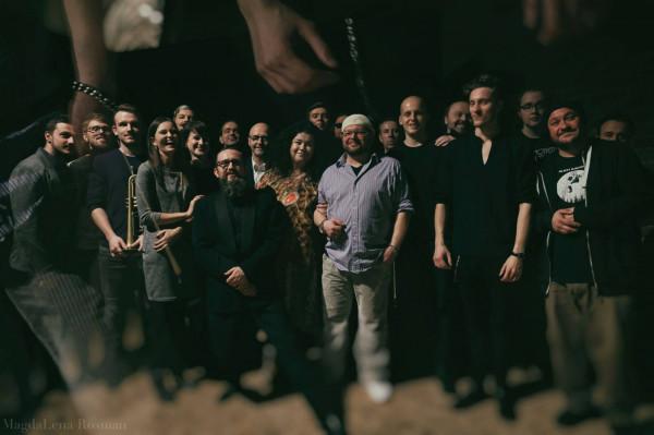 Gdynia Improvisers Orchestra to zespół i zarazem projekt kroczący, skupiający muzyków otwartych na swobodną improwizację.