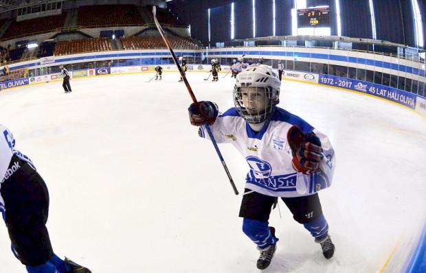 Sporty drużynowe uczą m.in. charakteru, pracy zespołowej czy współodpowiedzialności. Hokej na lodzie można trenować w oliwskiej Szkole Podstawowej nr 35 z Oddziałami Sportowymi w Gdańsku.